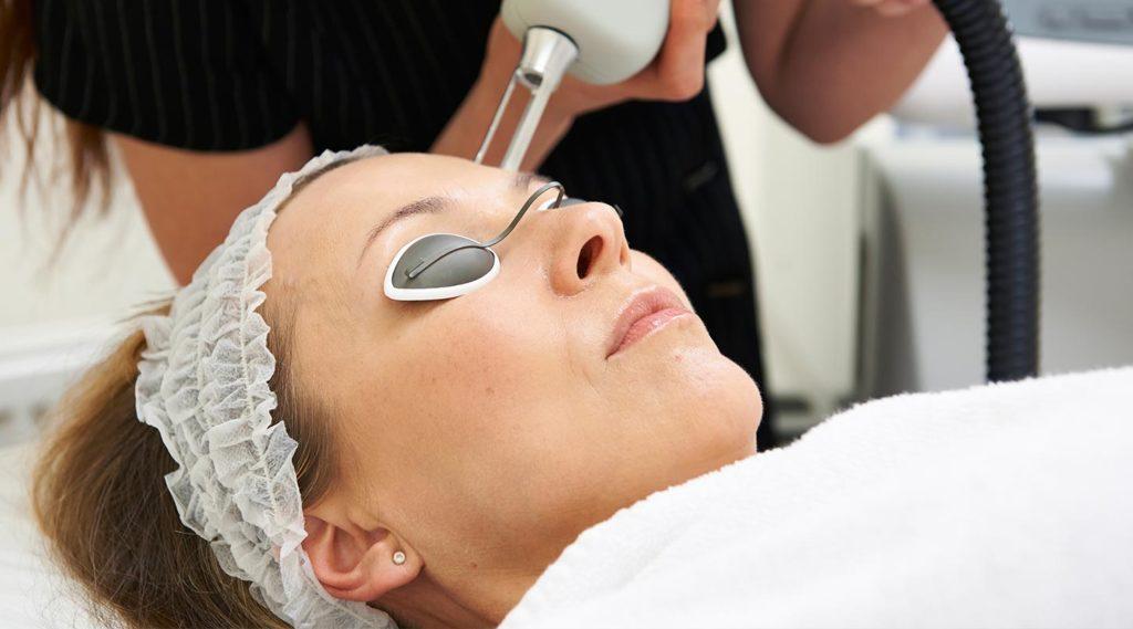 Cosmetic laser dermatology procedure